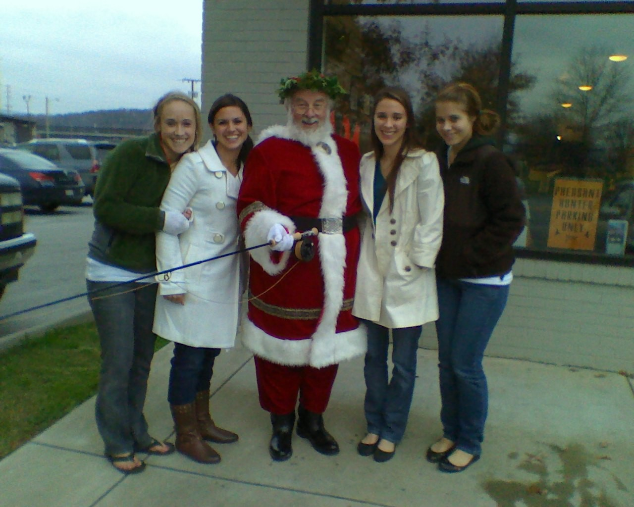 Santa_and_his_ladies